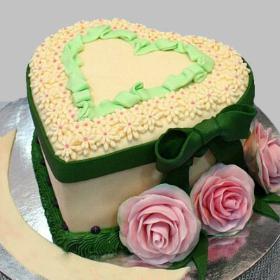 Heart and Pink Roses Anniversary Cake Free delivery in Lahore