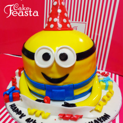 Minion with Gifts Birthday Cake in lahore