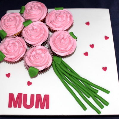 Mum Hearts Bouquet Mother's Day Cupcake in Lahore