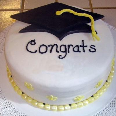 Congrats Graduation Cake in Lahore