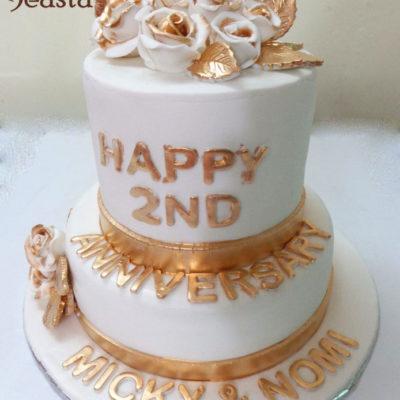 White Golden Rose Anniversary Cake in Lahore