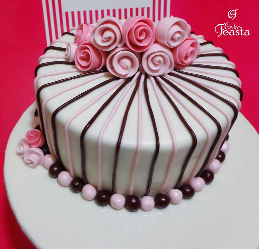 Pink White Flowers Birthday Cake In Lahore