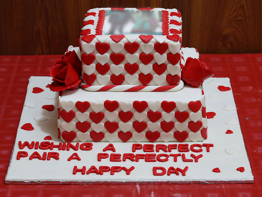 White Red Hearts Anniversary Picture Cake Marriage Anniversary Cake