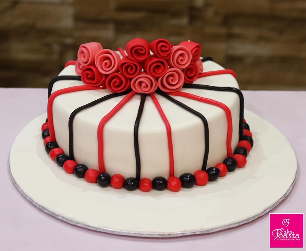 Small Roses Birthday Cake - Customized Cakes in Lahore