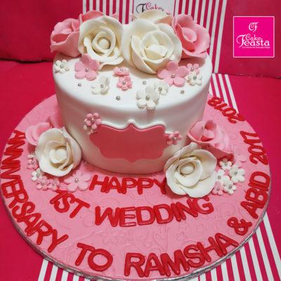 White Pink Flowers Wedding Cake