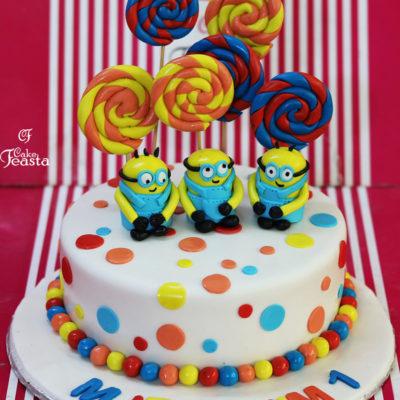 Minnions LollyPop Birthday Cake